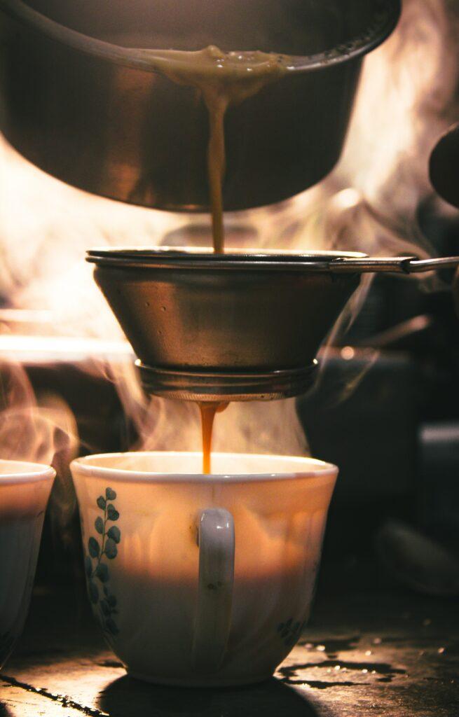 Goldene Milch lässt sich auch einfach selber zubereiten.