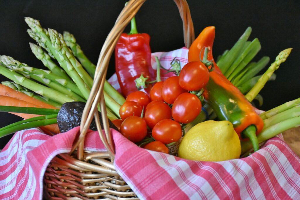 Die meisten Gemüsesorten passen hervorragend in den Low Carb Speiseplan.