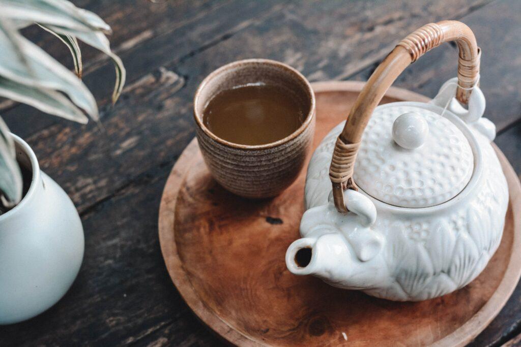 Mariendistel kann auch als Tee getrunken werden