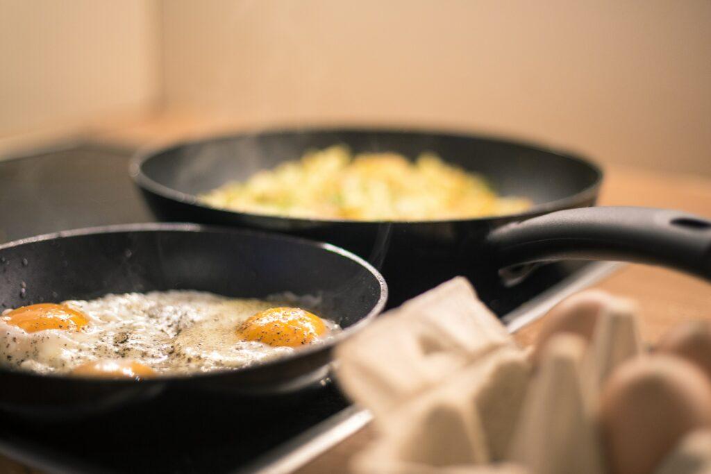 Auch Eier sind bei Keto erlaubt.
